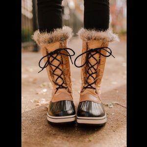 EUC Sorel Tofino II tan & black Lace up tall boot